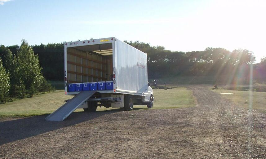 Transportation truck for investigation samples